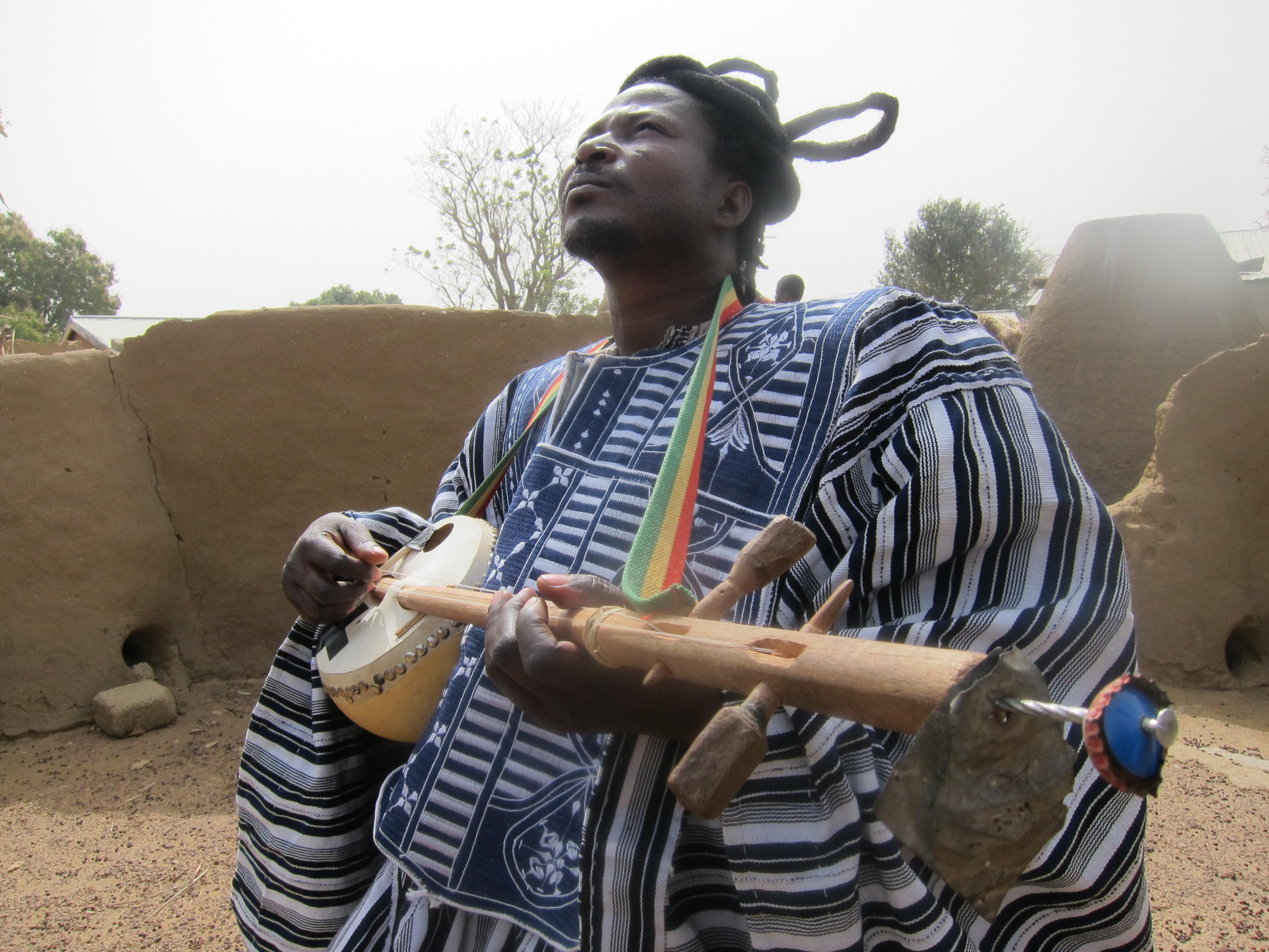 King Ayisoba in Bongo Soi
